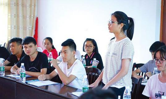 """浏阳:中和镇48名准大学生签订《不操办""""升学宴""""承诺书》"""